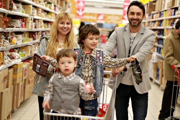 10 Smart Shopping Tips To Protect Your Family From Getting Sick